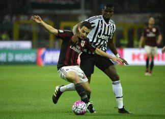 Bonaventura and Pogba during Milan-Juventus on April 9, 2016 at San Siro. (OLIVIER MORIN/AFP/Getty Images)