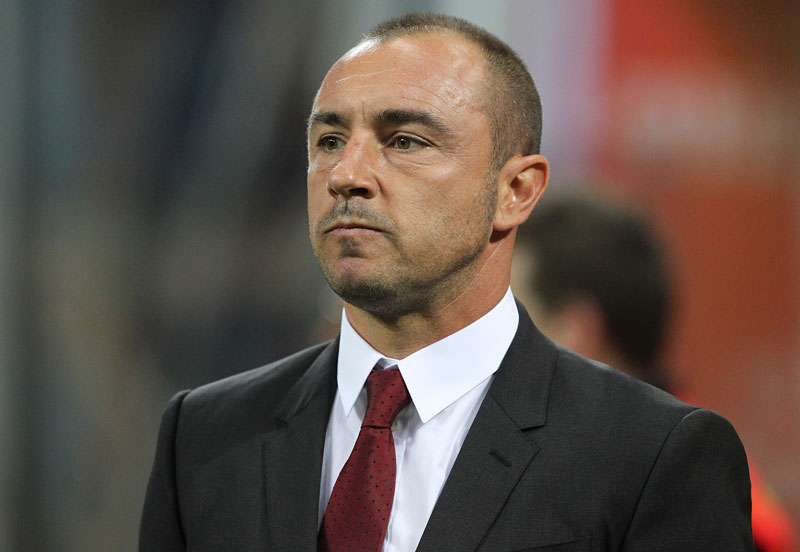 AC Milan coach Cristian Brocchi looks on before the Serie A match between AC Milan and Carpi FC at Stadio Giuseppe Meazza on April 21, 2016 in Milan, Italy. (Photo by Marco Luzzani/Getty Images)