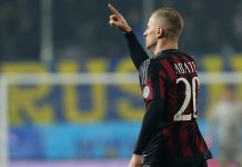 Ignazio Abate of Milan celebrates after scoring his team's equalizing goal during the Serie A match between Frosinone Calcio and AC Milan at Stadio Matusa on December 20, 2015 in Frosinone, Italy. (Photo by Maurizio Lagana/Getty Images)