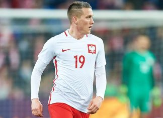 Piotr Zielinski of Poland controls the ball during the international friendly soccer match between Poland and Serbia at the Inea Stadium on March 23, 2016 in Poznan, Poland. (Photo by Adam Nurkiewicz/Getty Images)