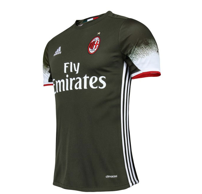 buy popular 90348 77d44 Pictures: Milan unveil 2016/17 third kit | Rossoneri Blog ...