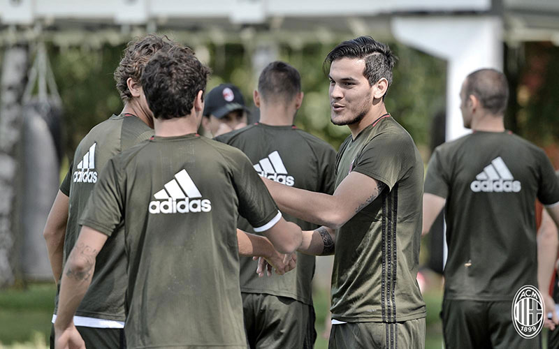 Gustavo Gomez in training at Milanello (@acmilan.com)