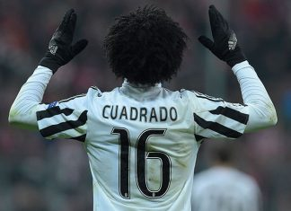 Juventus' forward from Colombia Juan Cuadrado celebrate after scoring during the UEFA Champions League, Round of 16, second leg football match FC Bayern Munich v Juventus in Munich, southern Germany on March 16, 2016. / AFP / TOBIAS SCHWARZ (Photo credit should read TOBIAS SCHWARZ/AFP/Getty Images)