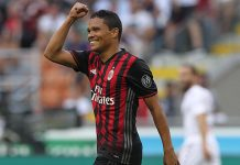 Carlos Bacca of AC Milan celebrates his second goal during the Serie A match between AC Milan and FC Torino at Stadio Giuseppe Meazza on August 21, 2016 in Milan, Italy. (Photo by Marco Luzzani/Getty Images)