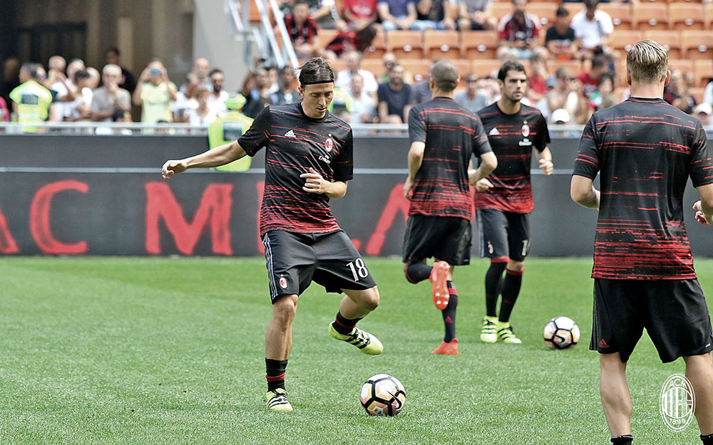 Riccardo Montolivo before MIlan-Udinese on the 11th of September 2016 at Stadio San Siro (@acmilan.com)