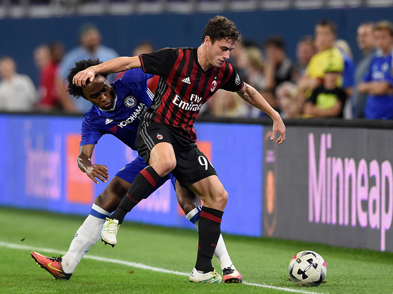 Calabria and Willian during Chelsea-Milan on August 3, 2016 at U.S. Bank Stadium in Minneapolis, Minnesota. (Photo by Hannah Foslien/Getty Images)