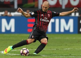 Gabriel Paletta of AC Milan in action during the Serie A match between AC Milan and FC Torino at Stadio Giuseppe Meazza on August 21, 2016 in Milan, Italy. (Photo by Marco Luzzani/Getty Images)
