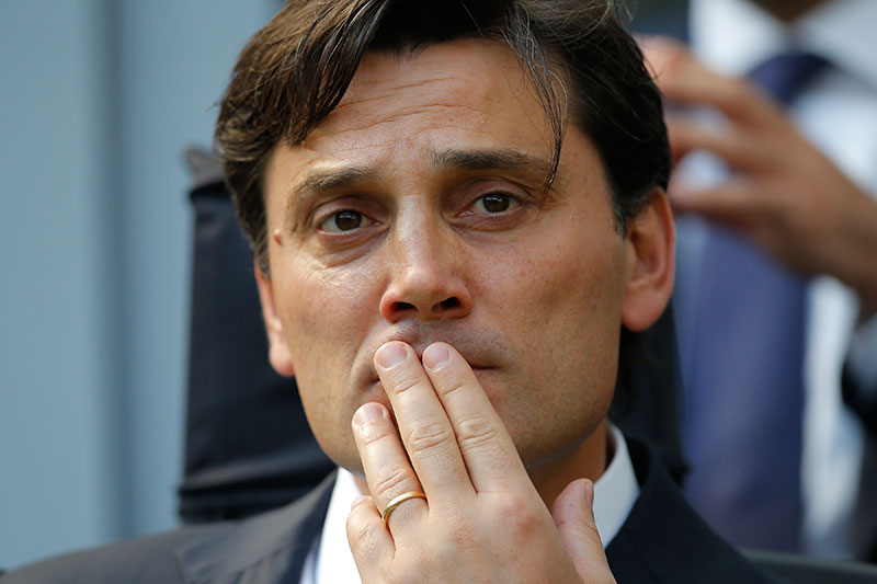 AC Milan's coach Vincenzo Montella looks on during the Italian Serie A football match between AC Milan and Udinese on September 11, 2016 at the San Siro Stadium in Milan. / AFP / MARCO BERTORELLO (Photo credit should read MARCO BERTORELLO/AFP/Getty Images)