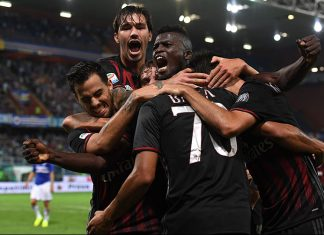 Carlos Bacca (C) of AC Milan celebrates after scoring the opening goal with team mates during the Serie A match between UC Sampdoria and AC Milan at Stadio Luigi Ferraris on September 16, 2016 in Genoa, Italy. (Photo by Valerio Pennicino/Getty Images)