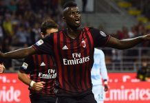 AC Milan's French forward from France Mbaye Niang celebrates after scoring a goal during the Italian Serie A football match between AC Milan and SS Lazio at the San Siro Stadium in Milan, on September 20, 2016. / AFP / GIUSEPPE CACACE (Photo credit should read GIUSEPPE CACACE/AFP/Getty Images)