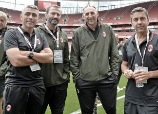Massimo Ambrosini, Angelo Carbone, Giuseppe Favalli, Christian Abbiati and Alessandro Costacurta at the Emirates Stadium for Arsenal Legends-Milan Glorie on the 3rd of September 2016 (@acmilan.com)
