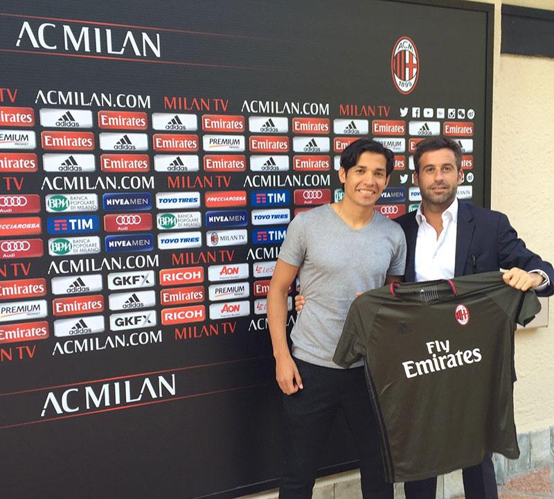 Mati Fernandez and his agent Ale Santisteban at Milanello (via @AIMfutbol on Twitter)