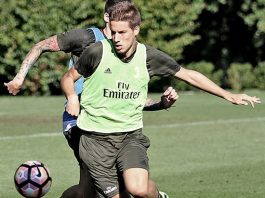 Mario Pasalic during training in Milanello (@acmilan.com)