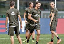 Mattia De Sciglio, Davide CalabrIa, Luca Antonelli, Riccardo Montolivo and Giacomo Bonaventura in training (@acmilan.com)