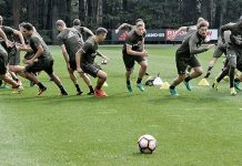 The squad in training (@acmilan.com)