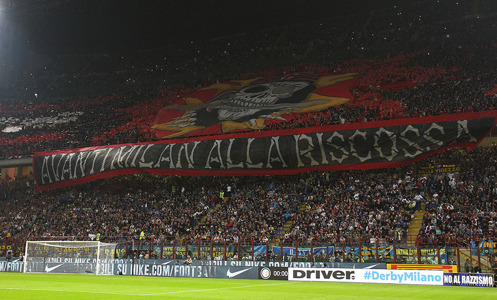 Milan fans before Inter-Milan at Stadio San Siro on September 13, 2015. (Photo by Marco Luzzani/Getty Images)