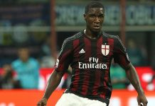 Cristian Zapata of AC Milan in action during the Serie A match between FC Internazionale Milano and AC Milan at Stadio Giuseppe Meazza on September 13, 2015 in Milan, Italy. (Photo by Marco Luzzani/Getty Images)