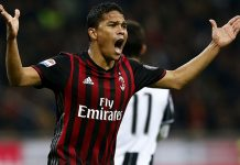 Bacca during Milan-Juventus at Stadio San Siro on the 22nd of October 2016 (MARCO BERTORELLO/AFP/Getty Images)