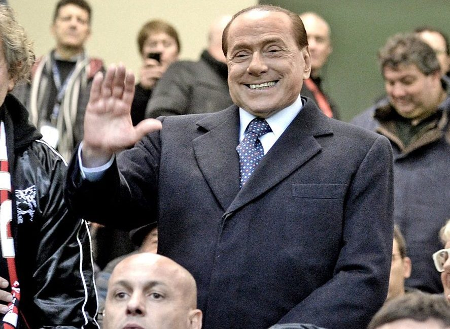 Silvio Berlusconi in the stands of Stadio San Siro before Inter-Milan on the 20th of November 2016 (@acmilan.com)
