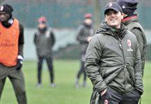 Vincenzo Montella during training at Milanello (@acmilan.com)