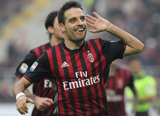 Bonaventura celebrates after scoring against Pescara at Stadio San Siro on the 30th of October 2016 (Photo by Marco Luzzani/Getty Images)