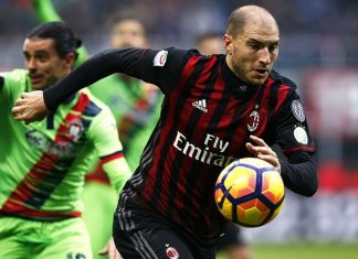 Gabriel Paletta during Milan-Crotone at Stadio San Siro on the 4th of December 2016 (MARCO BERTORELLO/AFP/Getty Images)