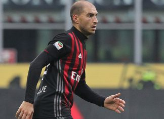 Gabriel Paletta during Milan-Crotone at Stadio San Siro on the 4th of December 2016. (Photo by Marco Luzzani/Getty Images)