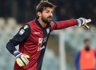 Marco Storari of Cagliari Calcio in action during the Serie A match between Pescara Calcio and Cagliari Calcio at Adriatico Stadium on December 4, 2016 in Pescara, Italy. (Photo by Giuseppe Bellini/Getty Images)
