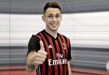 Lucas Ocampos after signing the contract at Casa Milan on the 30th of January 2017 (@acmilan.com)