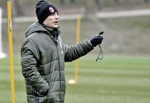 Vincenzo Montella during training at Milanello (@acmilan.com)