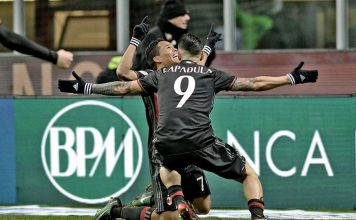 Carlos Bacca and Gianluca Lapadula celebrating against Cagliari at Stadio San Siro on the 8th of January 2017 (@acmilan.com)