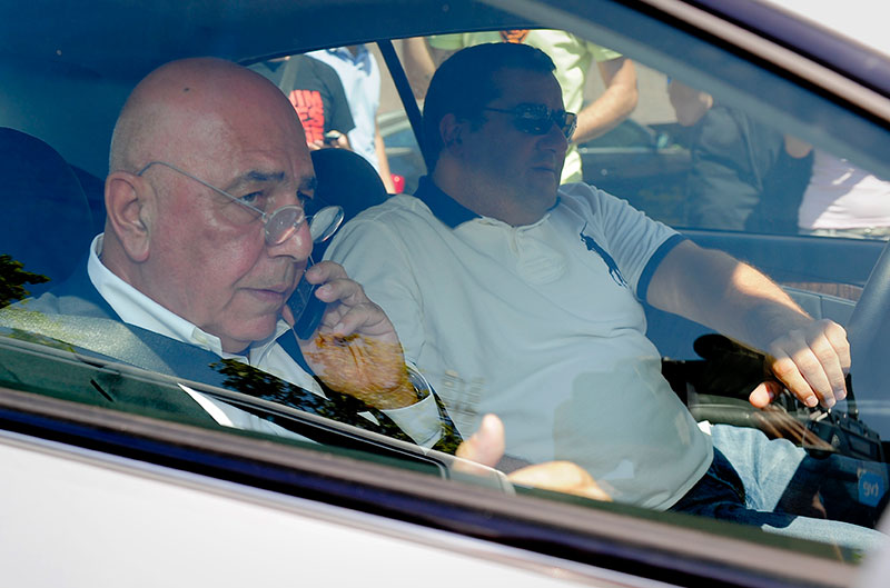 Adriano Galliani and Mino Raiola together in a car in Barcelona on the 26th of August 2010 (JOSEP LAGO/AFP/Getty Images)