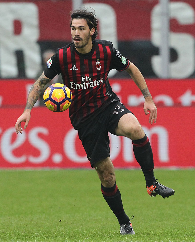 Romagnoli during Milan-Crotone at Stadio San Siro on the 4th of December 2016. (Photo by Marco Luzzani/Getty Images)