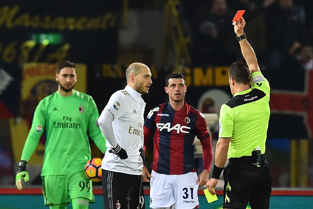 Gabriel Paletta shown a red card by referee Daniele Doveri during Bologna-Milan at Stadio Renato Dall'Ara on the 8th of February 2017. (GIUSEPPE CACACE/AFP/Getty Images)