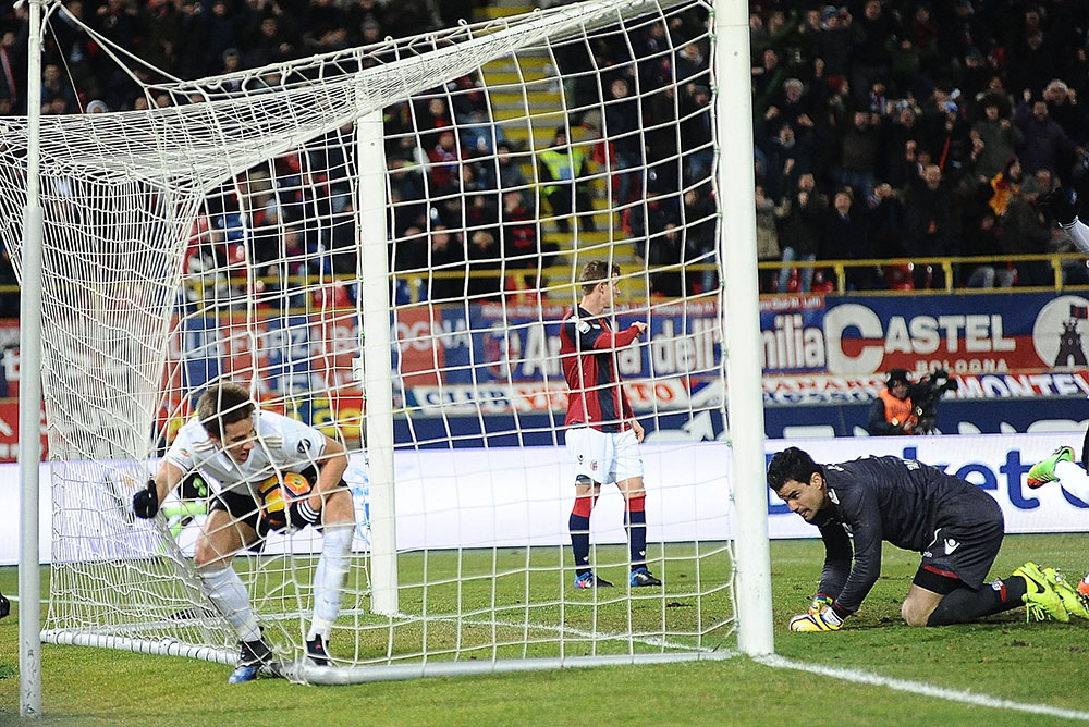 Mario Pasalic after scoring the winning goal during Bologna-Milan at Stadio Renato Dall'Ara on the 8th of February 2017. (GIUSEPPE CACACE/AFP/Getty Images)