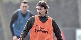 Riccardo Montolivo during training at Milanello (@acmilan.com)