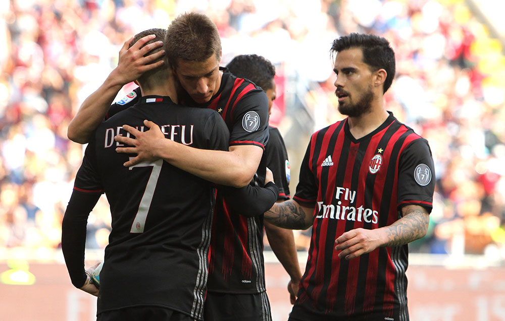 Gerard Deulofeu, Mario Pasalic and Suso celebrate during Milan-Palermo at Stadio San Siro on the 9th of April 2017. (Photo by Marco Luzzani/Getty Images)