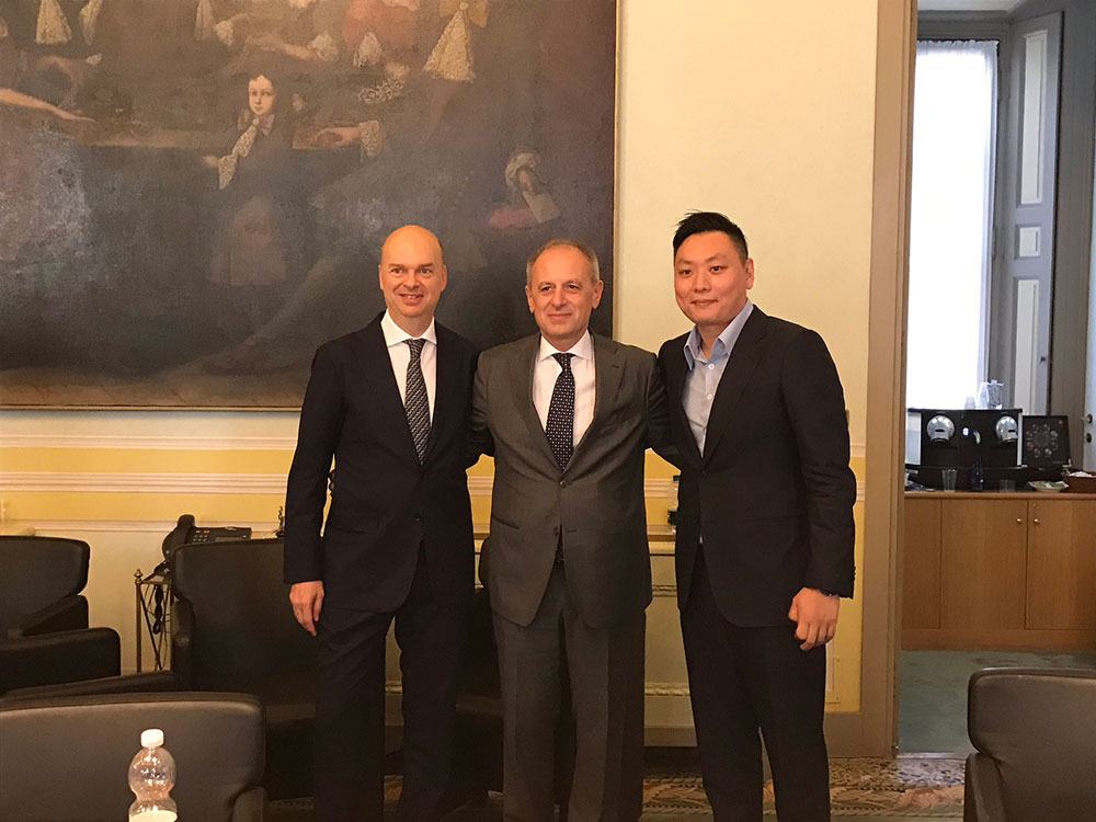 Marco Fassone (L) and Han Li (R) together with Auro Palomba (C), the Founder & CEO Community Group at the GOP Law Firm on the 13th of April 2017. (via @auropalomba)
