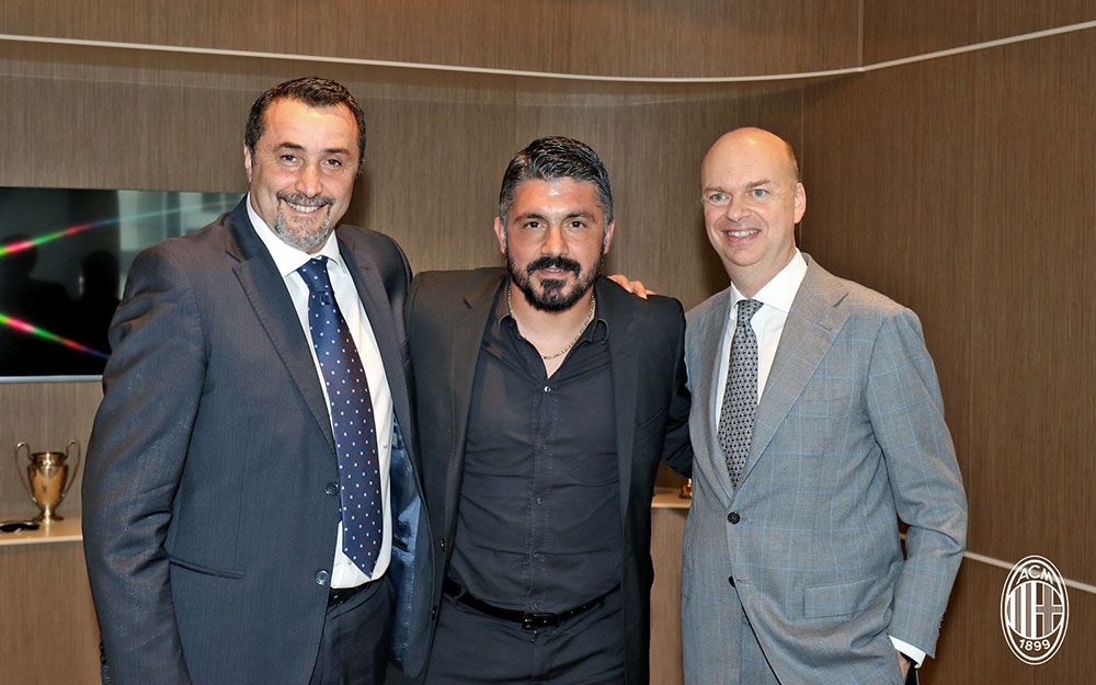 Gennaro Gattuso with Massimiliano Mirabelli and Marco Fassone at Casa Milan on the 26th of May 2017. (@acmilan.com)