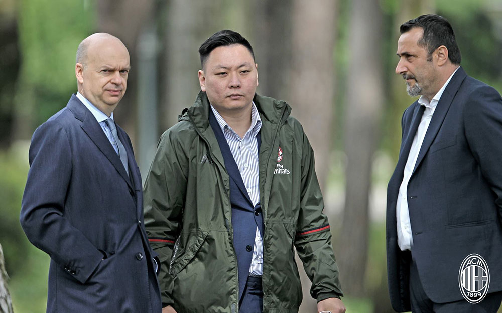 Marco Fassone, Han Li and Massimiliano Mirabelli at Milanello on May 5, 2017. (@acmilan.com)