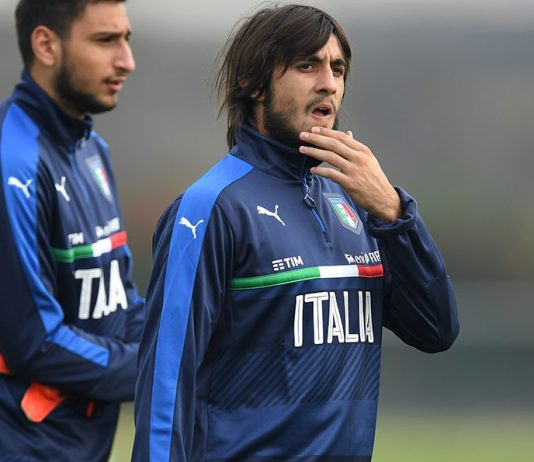 Mattia Perin during an Italy training session at Juventus Center Vinovo on October 8, 2016. (Photo by Valerio Pennicino/Getty Images)