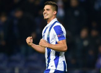 Andre Silva celebrates after scoring during Porto-Leicester at the Dragao Stadium on December 7, 2016. (MIGUEL RIOPA/AFP/Getty Images)