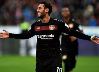Hakan Calhanoglu celebrates during Bayer Leverkusen-Hertha Berlin on January 22, 2017. (Photo credit should read PATRIK STOLLARZ/AFP/Getty Images)