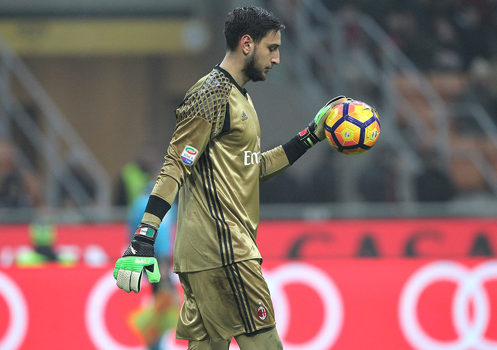 Gianluigi Donnarumma during Milan-Fiorentina at Stadio San Siro on February 19, 2017. (Photo by Marco Luzzani/Getty Images)