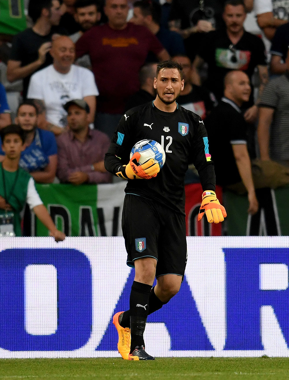 Gianluigi Donnarumma during Italy-Uruguay at Allianz Riviera Stadium on June 7, 2017. (Photo by Claudio Villa/Getty Images)