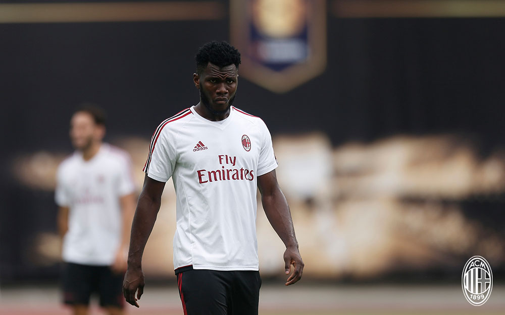 Franck Kessié during the Milan training session at University Town Sports Centre Stadium on July 15, 2017 in Guangzhou, China. (@acmilan.com)