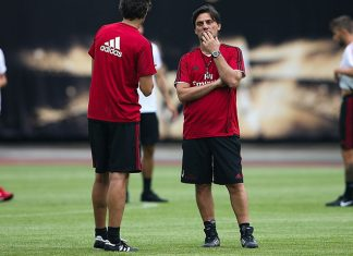 Vincenzo Montella and the squad during the Milan training session at University Town Sports Centre Stadium on July 15, 2017 in Guangzhou, China. (Photo by Lintao Zhang/Getty Images)
