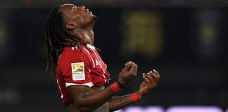 Renato Sanches reacts after missing a penalty during Bayern Munich-Arsenal in Shanghai July 19, 2017. (JOHANNES EISELE/AFP/Getty Images)
