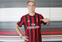Andrea Conti after signing the contract at Casa Milan on the 7th of July, 2017. (@acmilan.com)