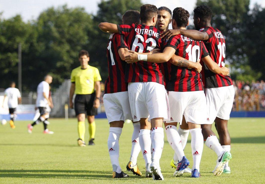 Fabio Borini, Patrick Cutrone, Ricardo Rodriguez, Hakan Çalhanoğlu and Franck Kessié celebrating against Lugano at the Cornaredo Stadium on the 11th of July. (@acmilan.com)
